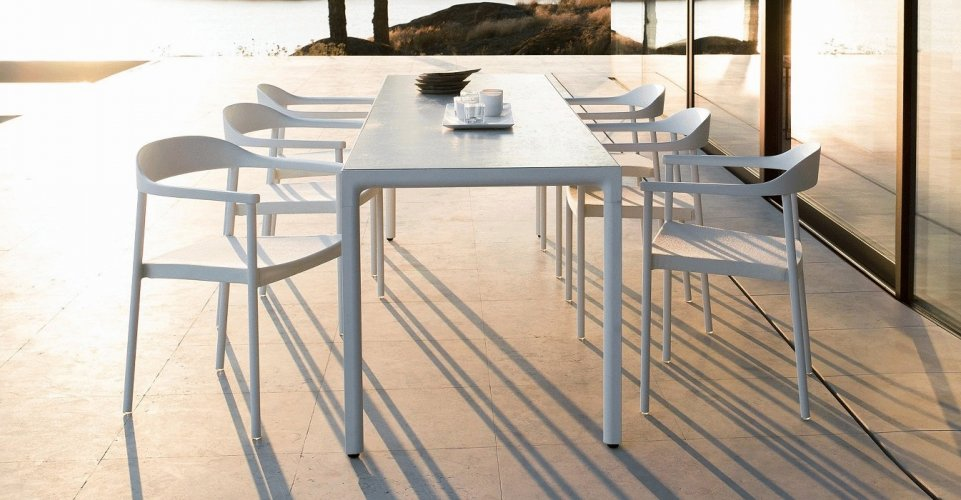 ILLUM TABLE