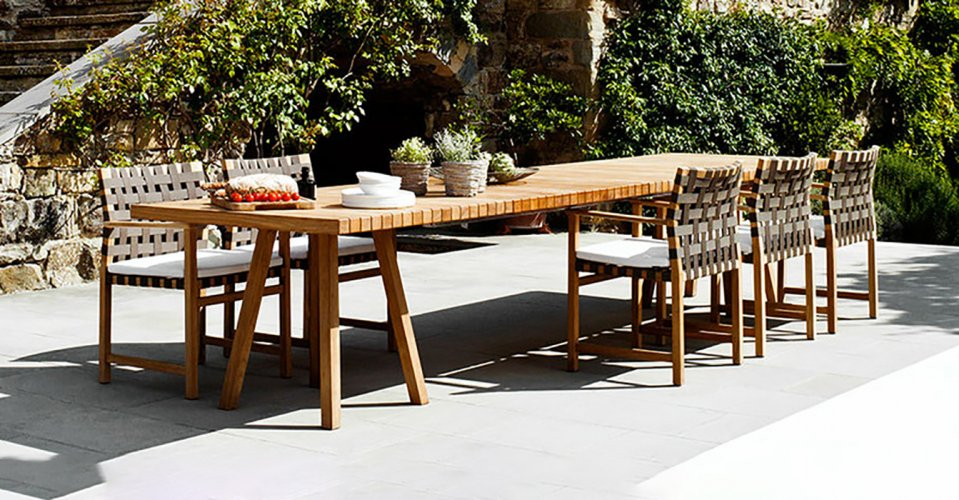 VIS À VIS OUTDOOR TABLE