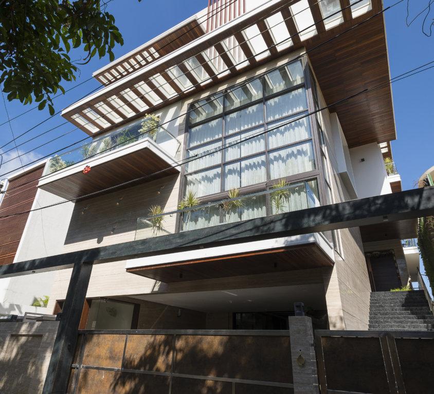 Emmvee residence